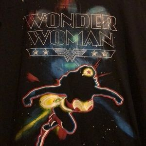 Tops - Wonder Woman T-shirt